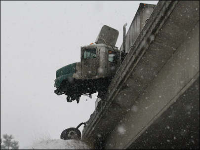Icy Roads Lead to Big Rig Truck Accident on Washington I-90 - Truck